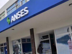ANSES: Pago adicional de 6 meses para trabajadores dependientes despedidos sin justa causa